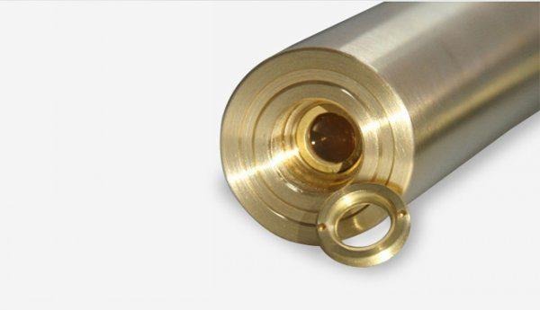 Coperture dell'oro fascio blu puntatore laser